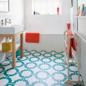 Staggering bathroom tile ideas photos #bathroomtileideas #showertile #bathroomtilefloor