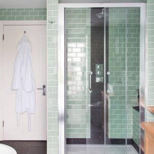 Fantastic large tile shower #bathroomtileideas #showertile #bathroomtilefloor
