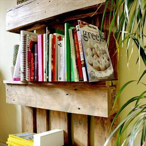 Remarkable stuff made out of pallets #diybookshelfpallet #bookshelves #storageideas