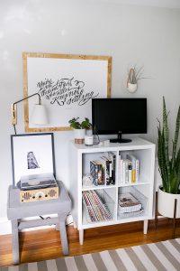 Stunning diy retractable tv stand #DIYTVStand #TVStandIdeas #WoodenTVStand